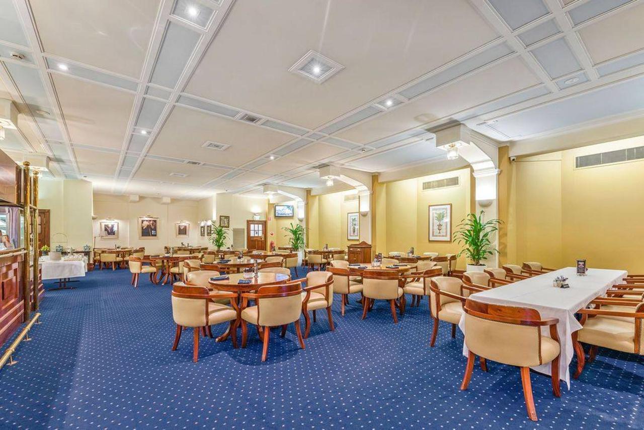 003_castlereagh-lounge_level-2_castlereagh-boutique-hotel_sydney-cbd-bar-and-restaurant.jpg.1024x0.jpg