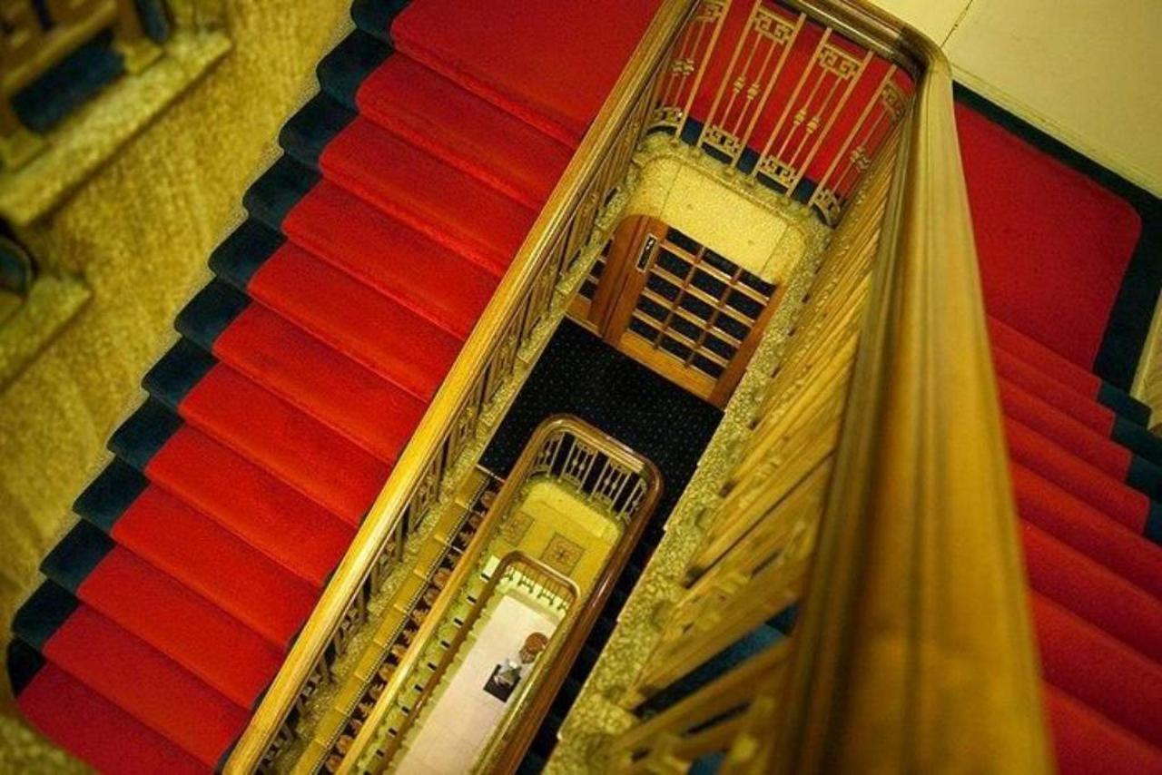 stairwell.jpg.1024x0.jpg