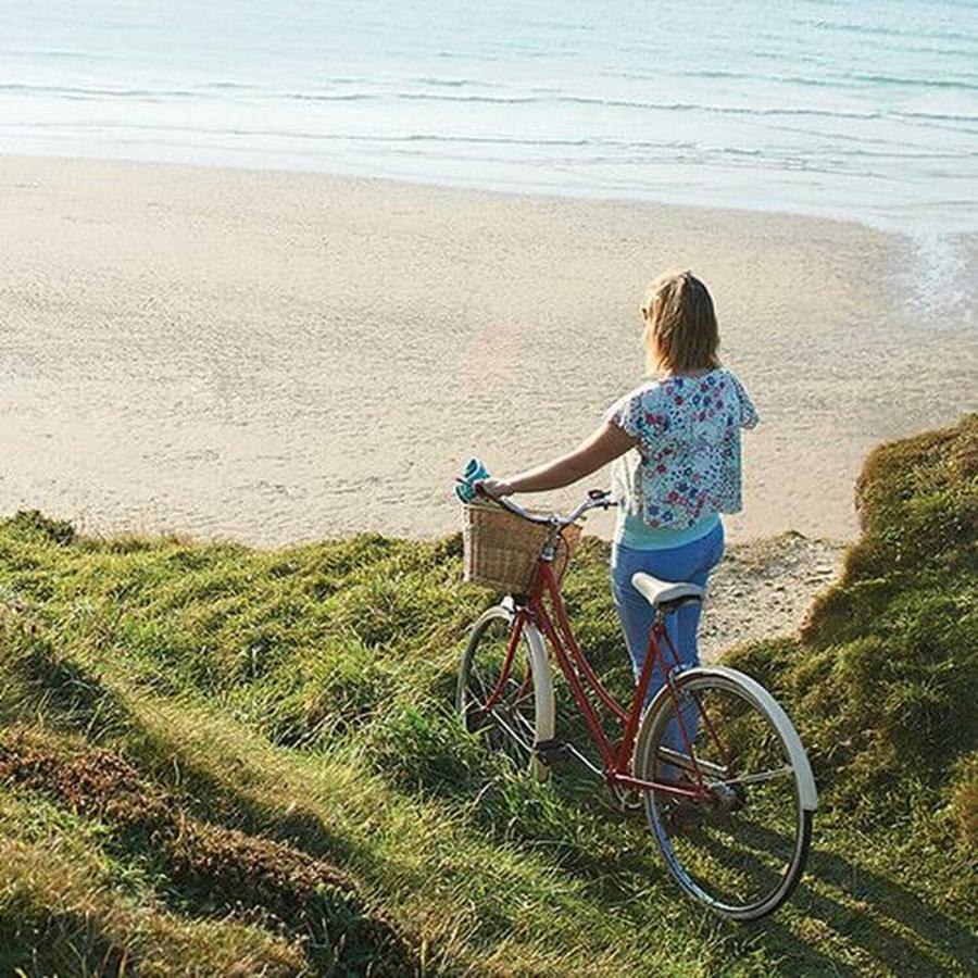 girl-bike.jpg.1920x0.jpg