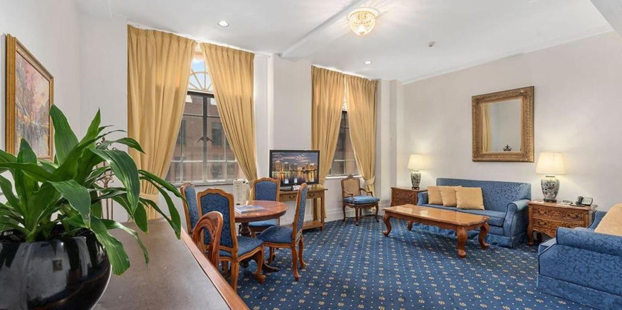 011_executive-suite-1101_castlereagh-boutique-hotel-sydney-cbd-accommodation-1.jpg.1024x0.jpg