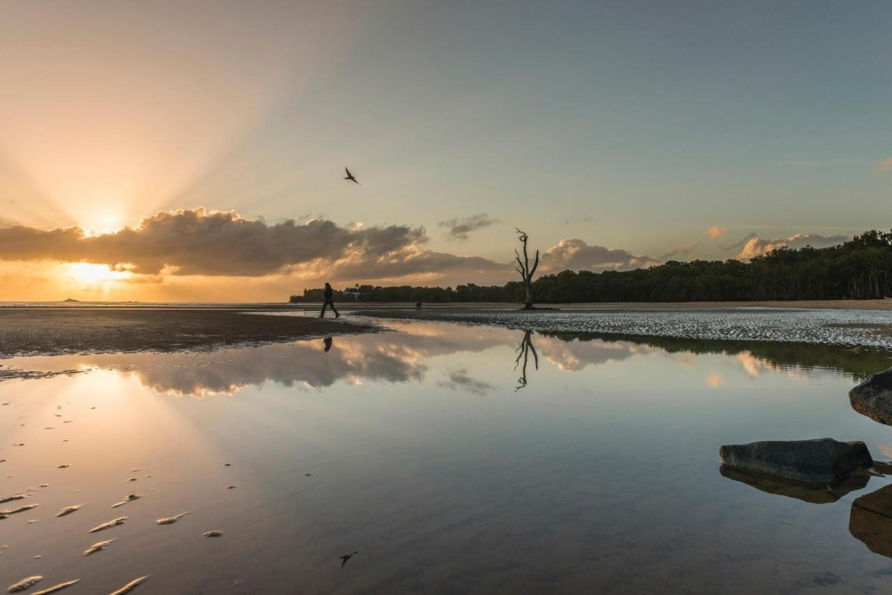 sunset bay Eimeo.jpg