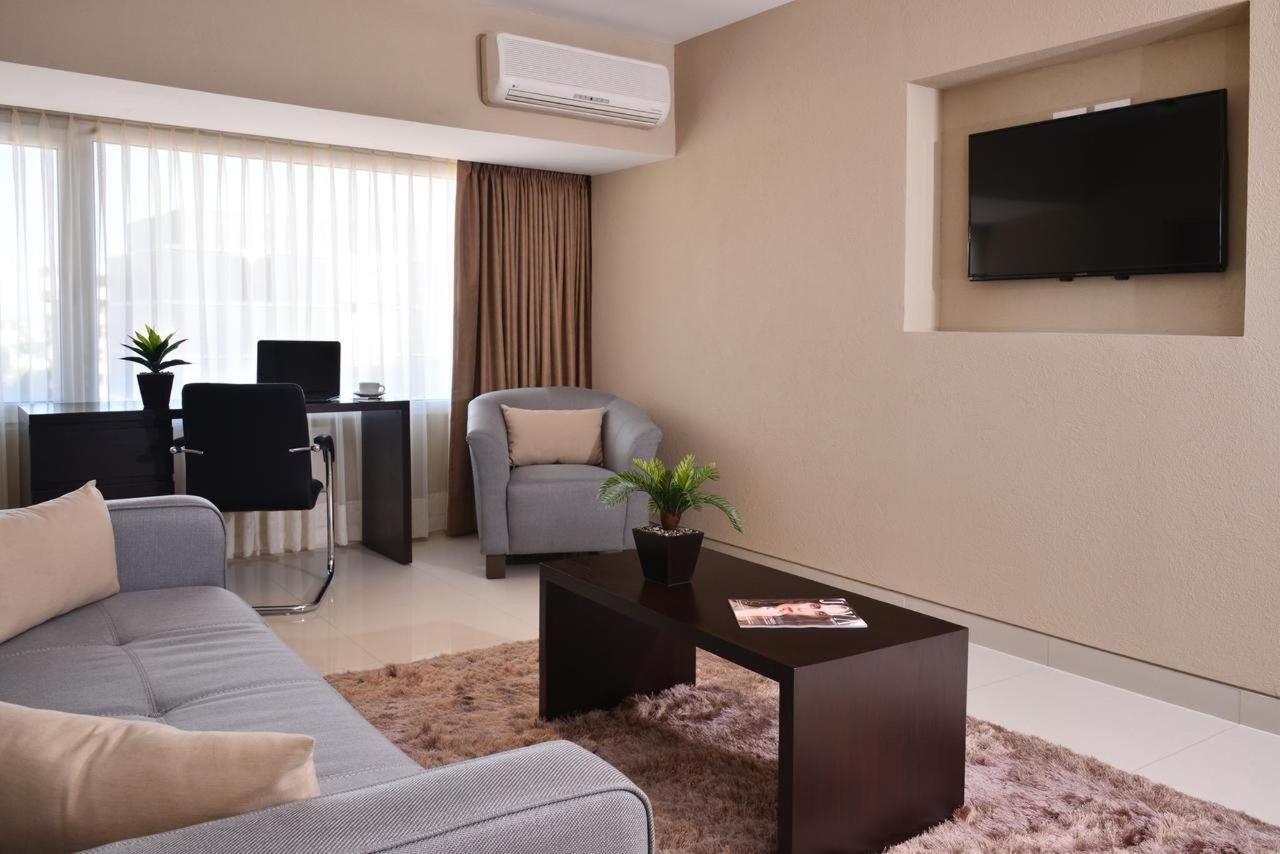 Master Suite - Interior
