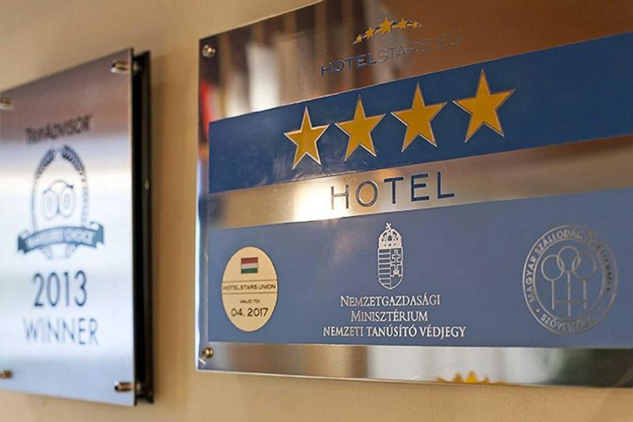 hotelstars.jpg.1920x0.jpg