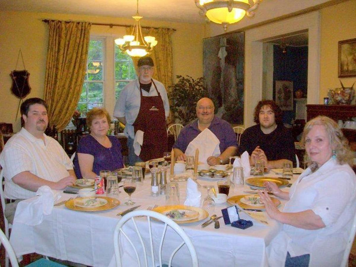 diningcarchefs-1.jpg.1080x0.jpg