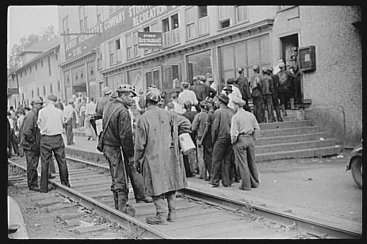 omar-wv-payday-1938.jpg.1080x0.jpg