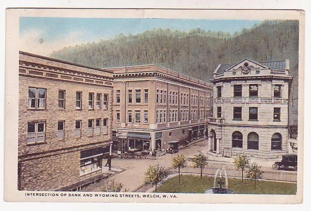 welch-bankwyoming.jpg.1080x0.jpg