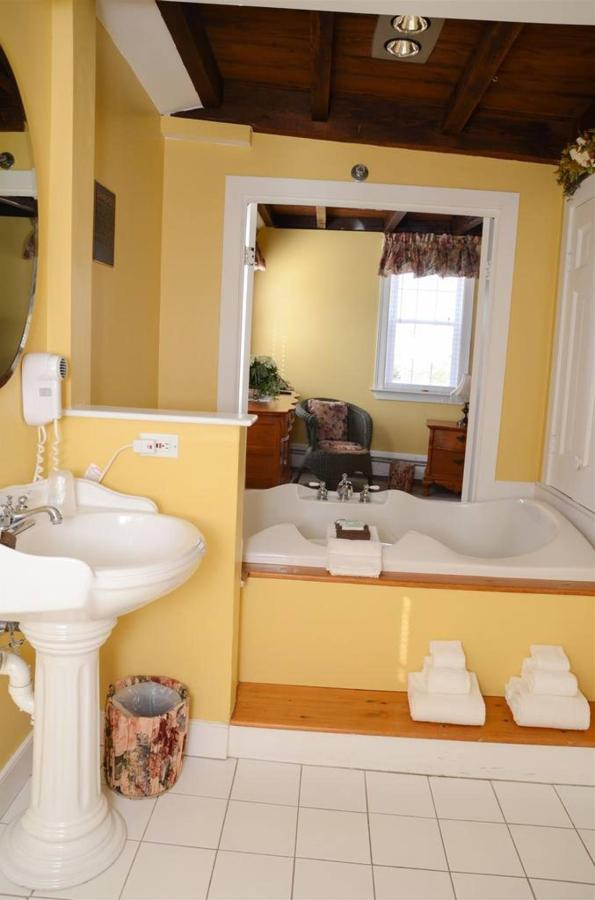 bridal-suite-1.jpg.1024x0.jpg