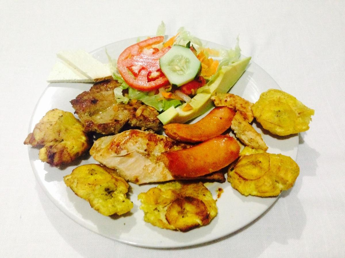 CHICKEN WITH TOSTONES..jpg