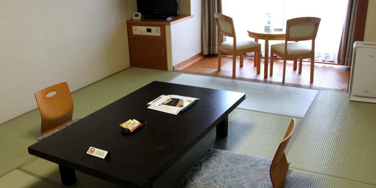 山側和室1.jpg