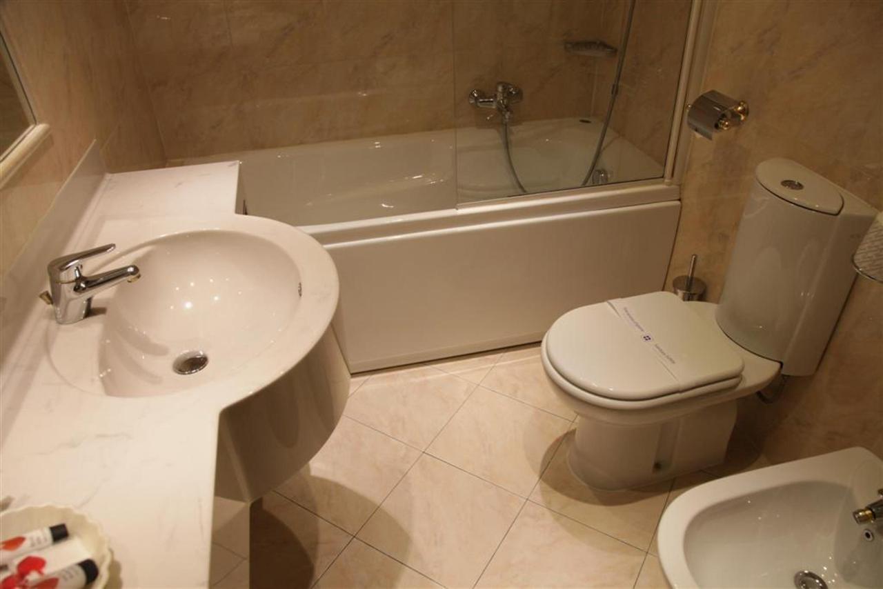 2 étage salle de bain (Grand) .JPG