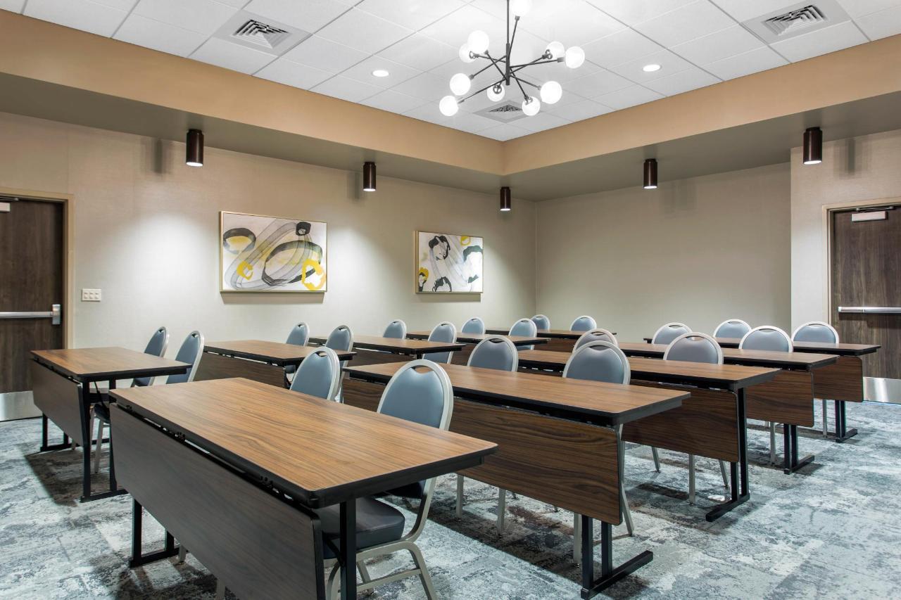 Meeting Space 3.jpg