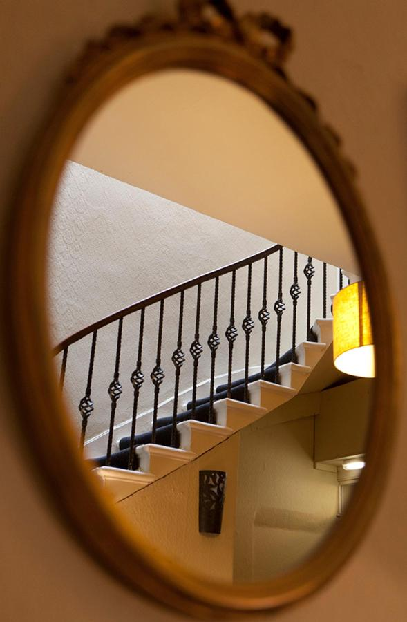 Bed-And-Breakfast-Edinburgh-Hall-Stairs.jpg