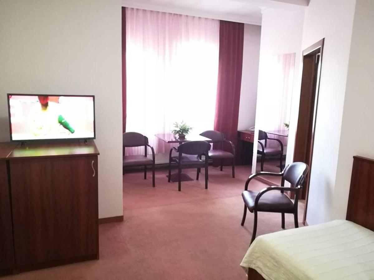 Hotel Oxa.jpg