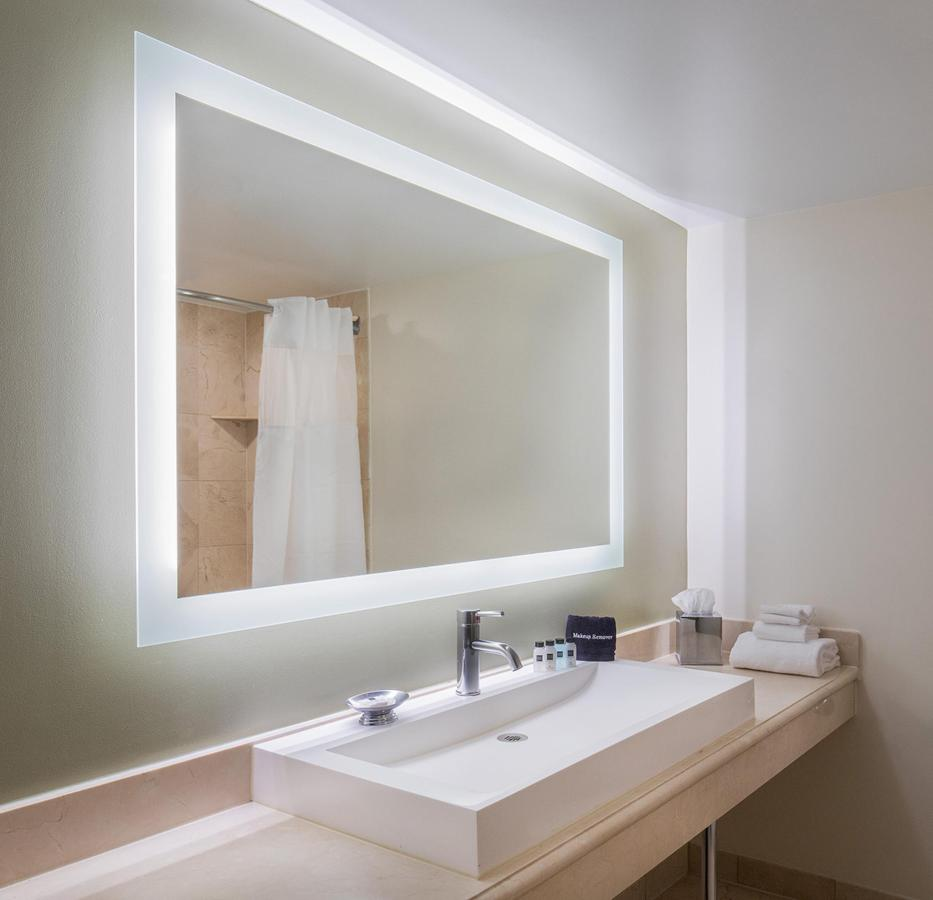 Guest Bathroom L.jpg