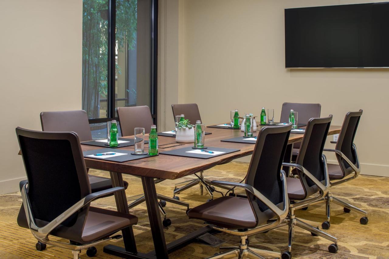MSH_Meeting_Boardroom_0002.jpg