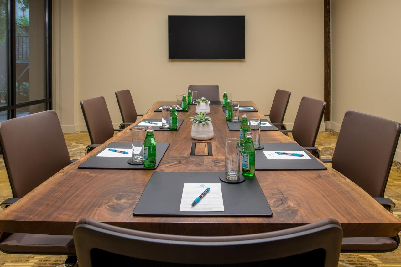 MSH_Meeting_Boardroom_0003.jpg