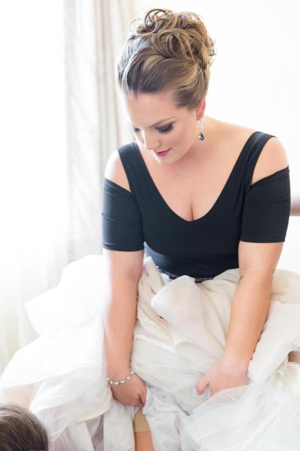 Admiral Fell Inn Bride Get Ready Shot by Amy and Jordan Photography.jpg