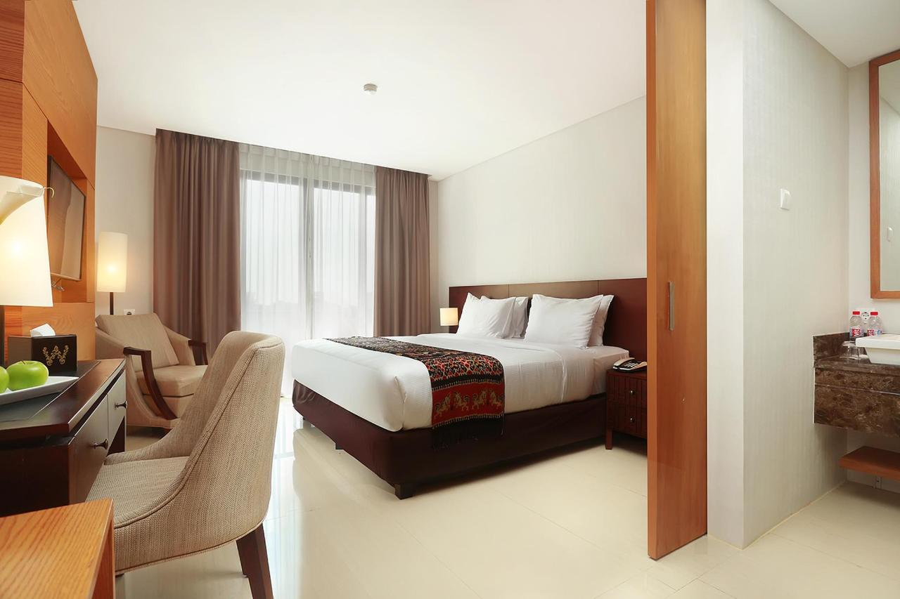 16. Deluxe Room 1.jpg