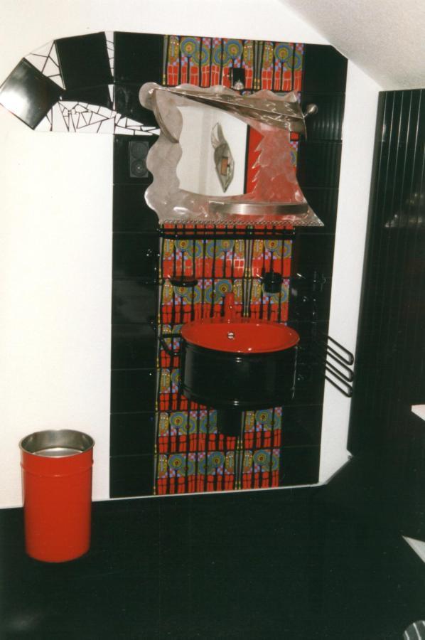 Hundertwasser-Zimmer 3.jpg
