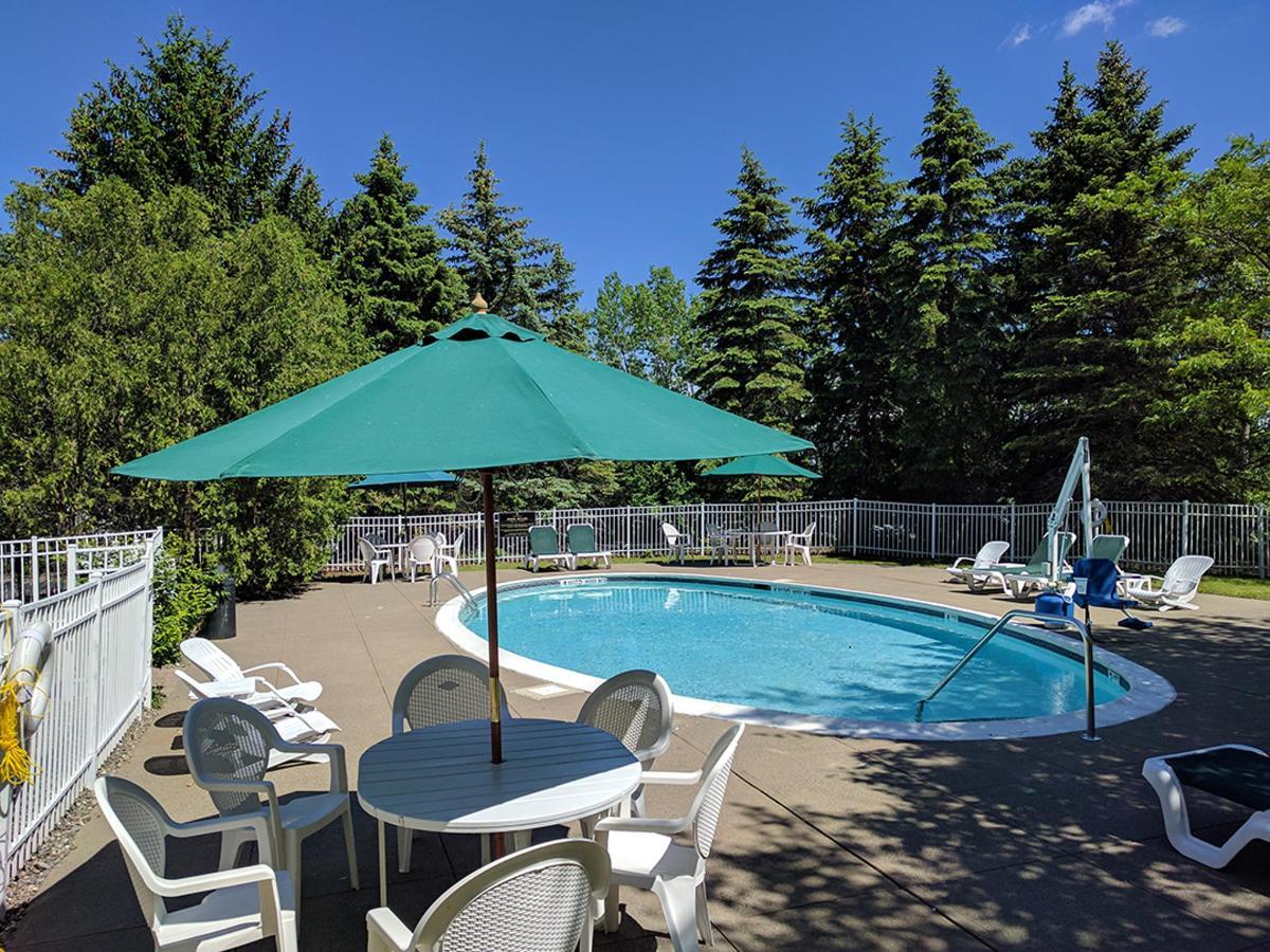the_century_house_hotel_pool.jpg