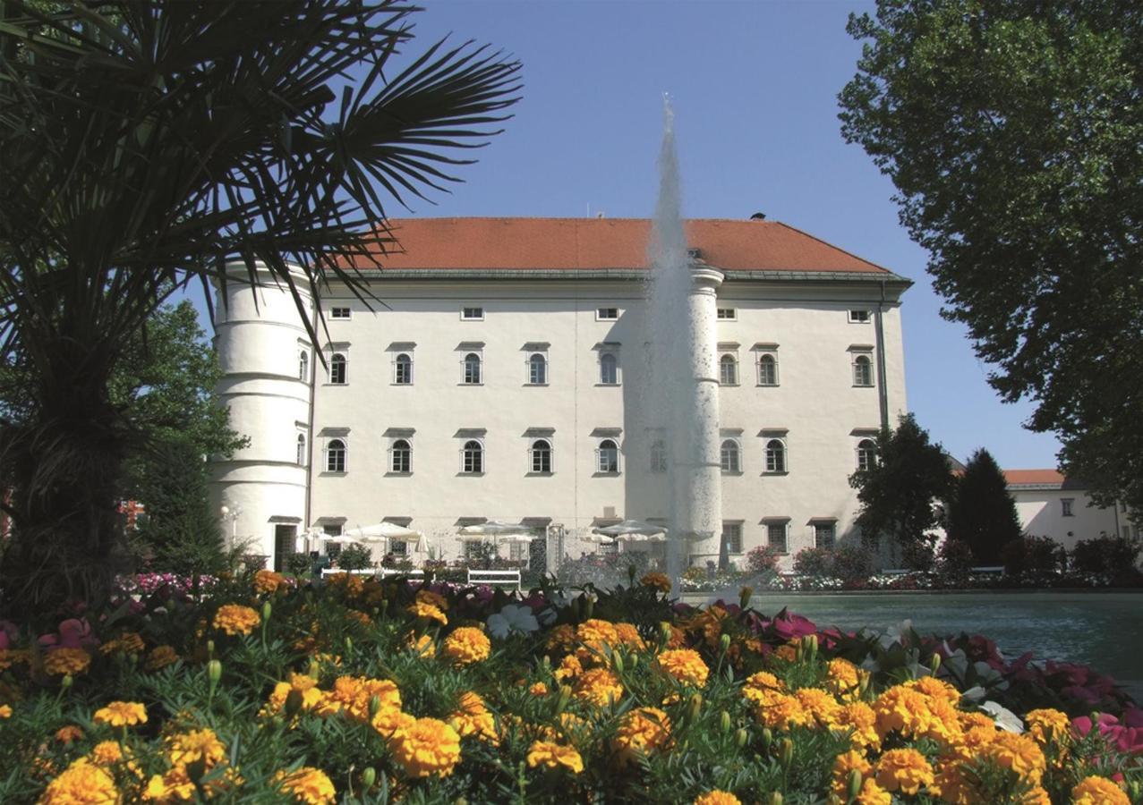 Schloss Porcia Spittal - Tourismusbüro Spittal.JPG