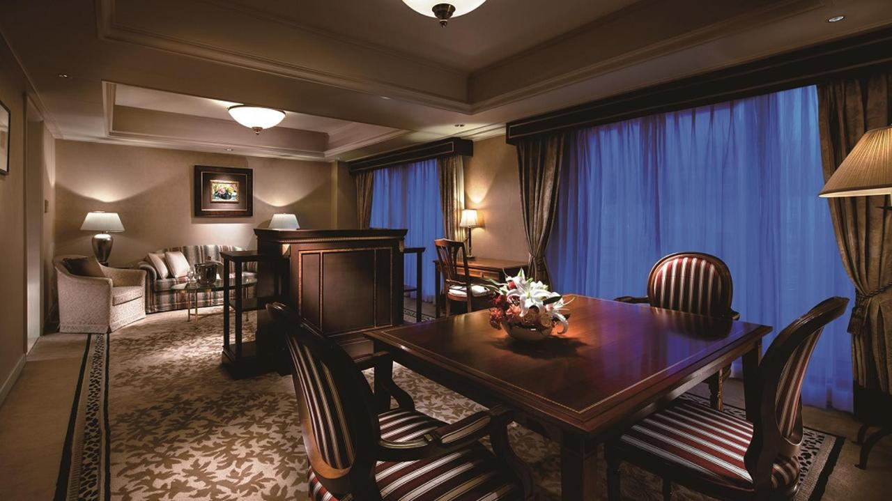 Executive Floor Suite (Living Room).jpg