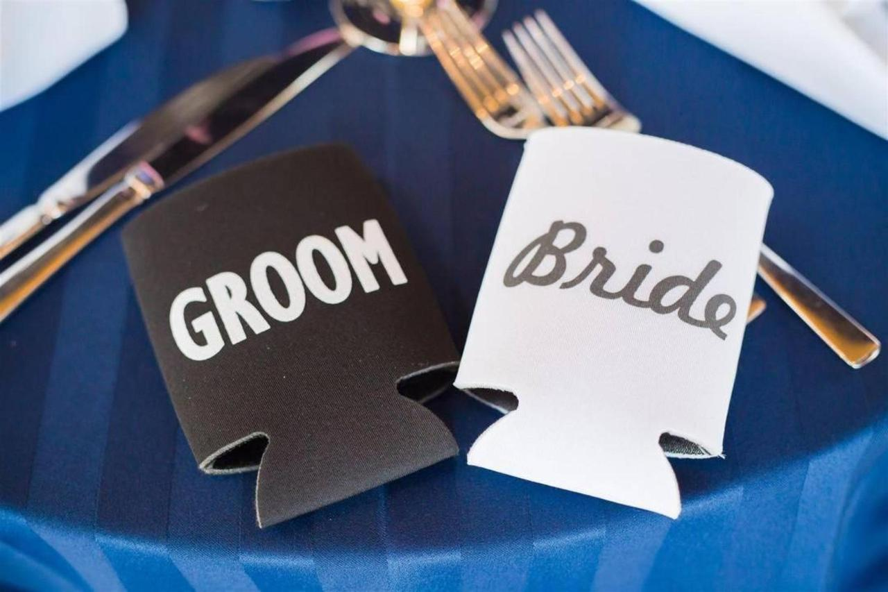 Pier 5 Hotel Bride and Groom Koozie Shot by Photograhy by Brea.jpg