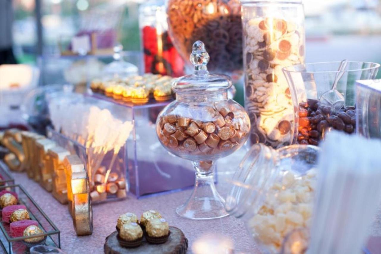 Pier 5 Hotel Sweet Treat Wedding Shot by Trans4mation Photography.jpg