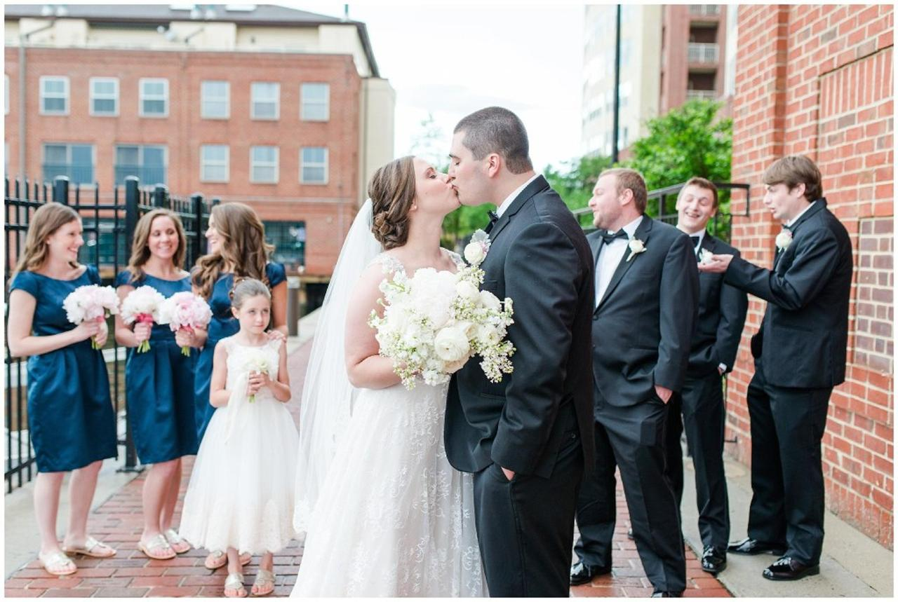 Henderson's Wharf Bridal Party Photo Captured by Ashton Kelley Photography.jpg