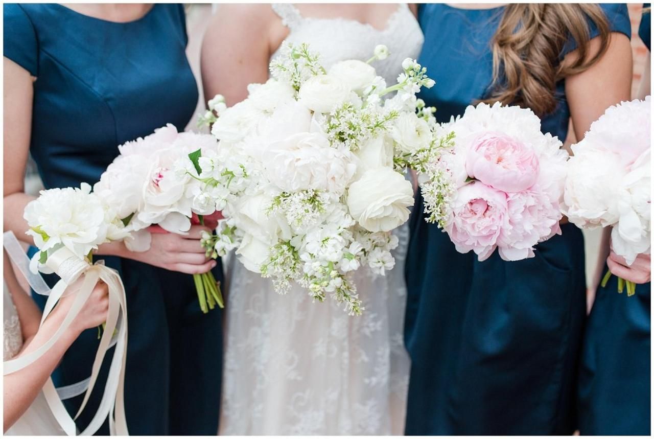 Henderson's Wharf Flower Bouquet Photos Captured by Ashton Kelley Photography.jpg