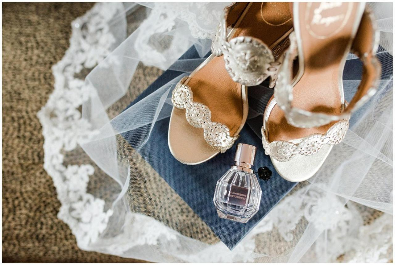 Henderson's Wharf Wedding Accessories Photo Captured by Ashton Kelley Photography.jpg