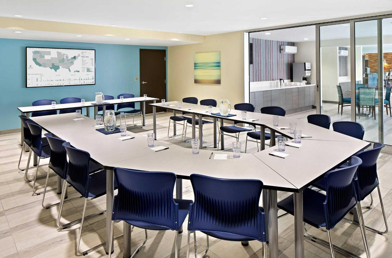 Cove-Long-Beach-Conference-Room.jpg