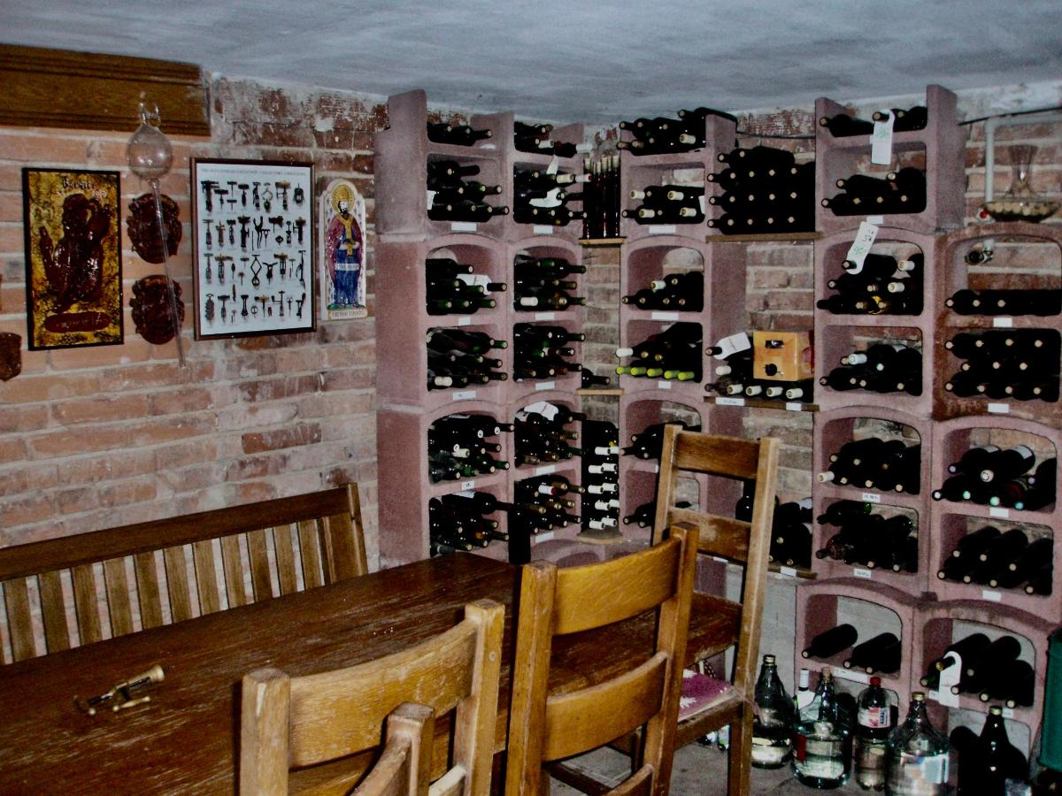 Smaller cellar up to 10 people