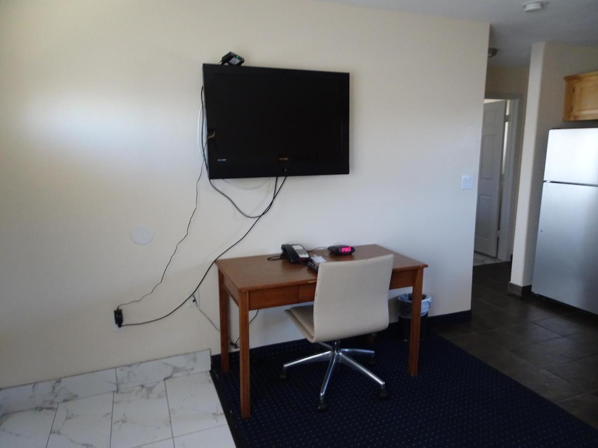 Premier Suite3.JPG