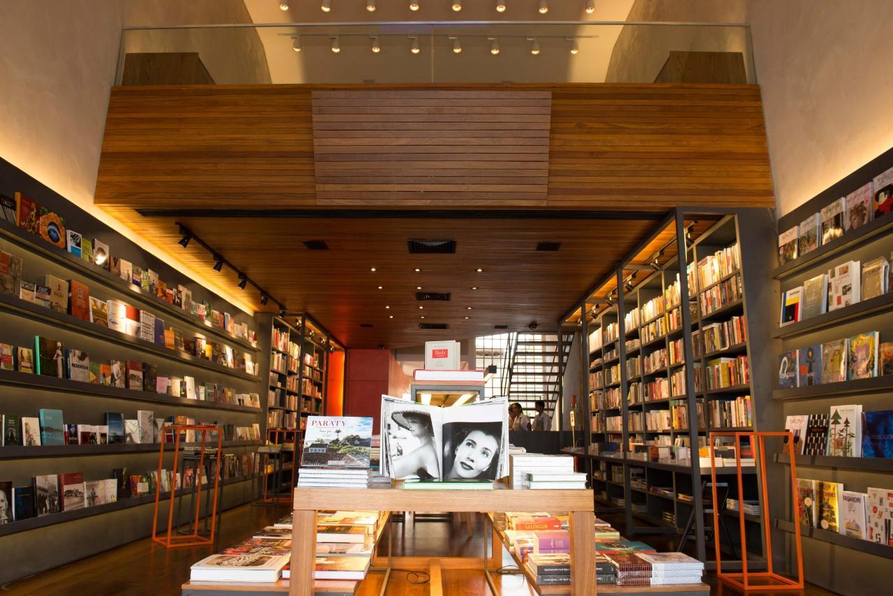Bookstore4784.jpg