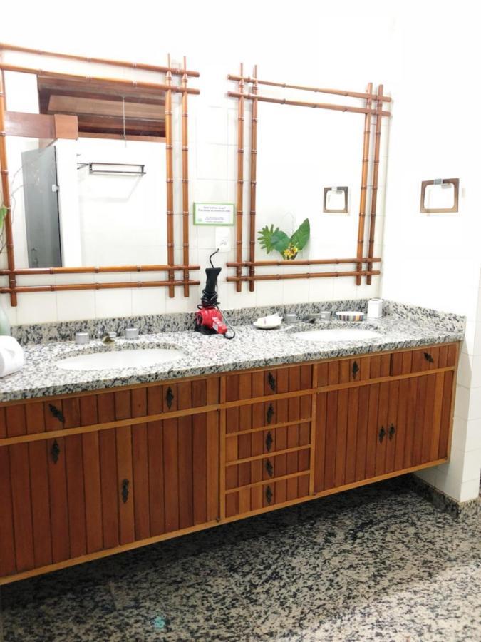 Banheiro uh 04 - 3.jpg
