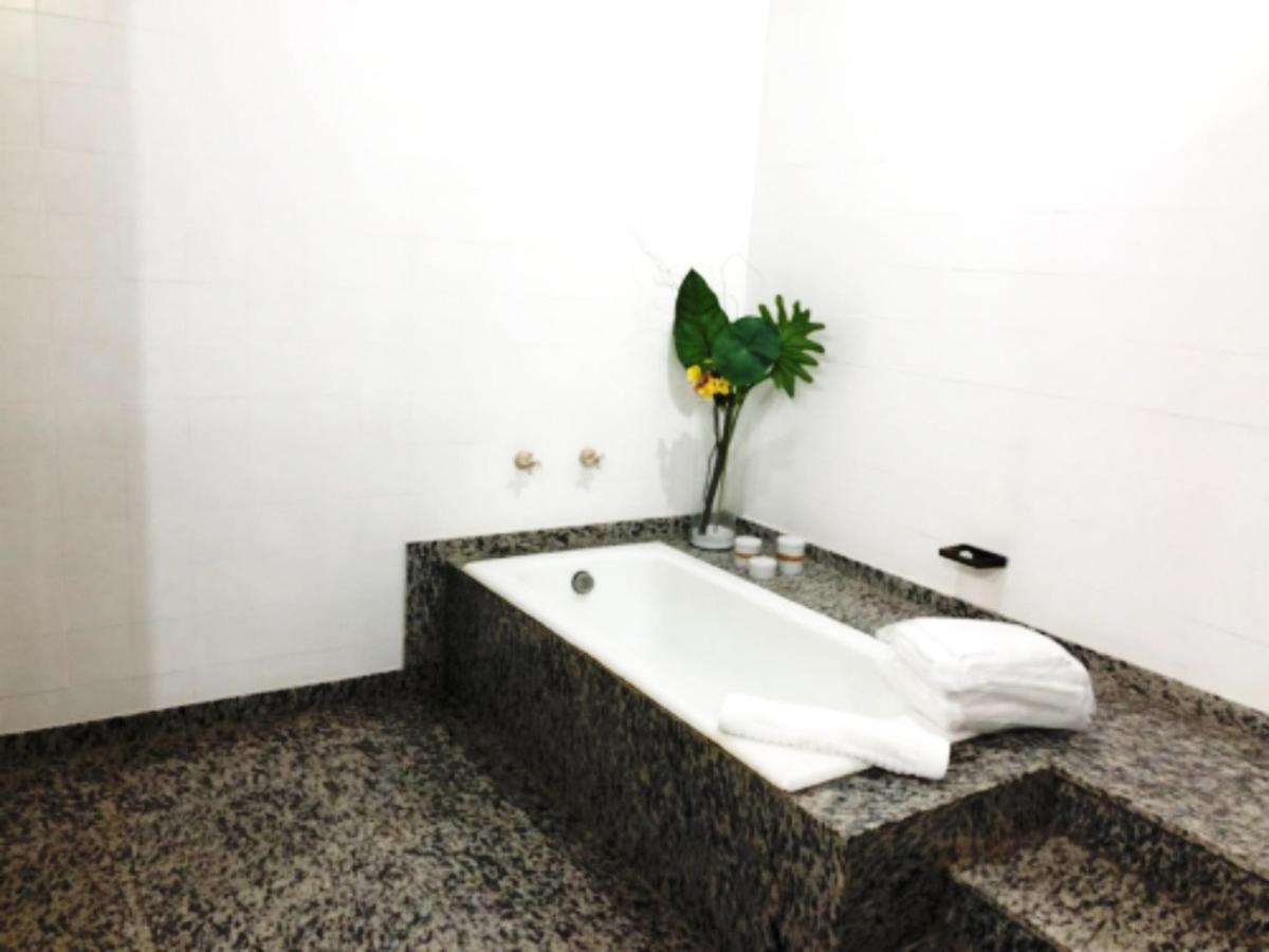 banheiro uh 04.jpg