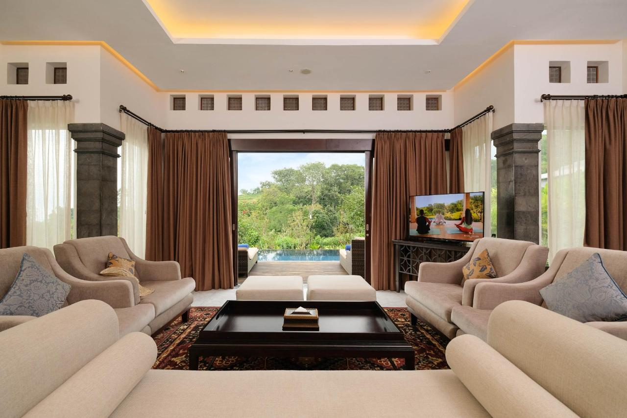 Rice Paddy Villa Living Room.jpg