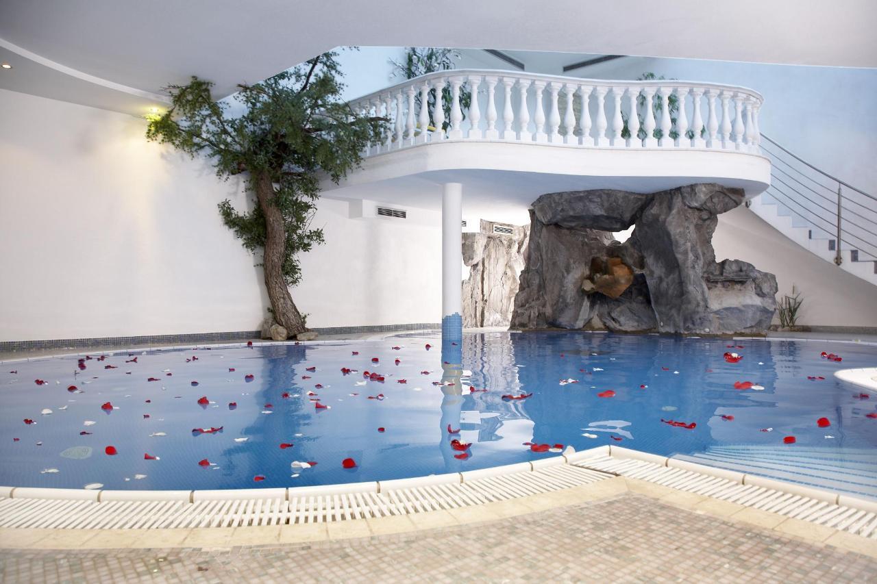 Schwimmbad.jpg