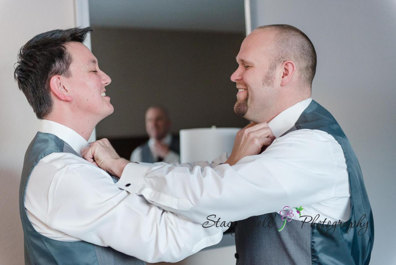Groom and Best Man 1800 x 1202.jpg