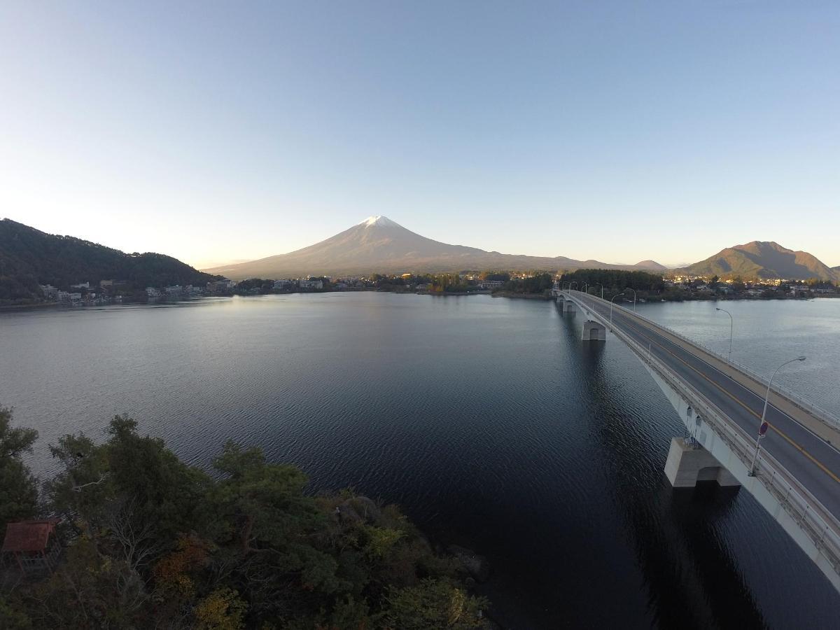 橋と富士山