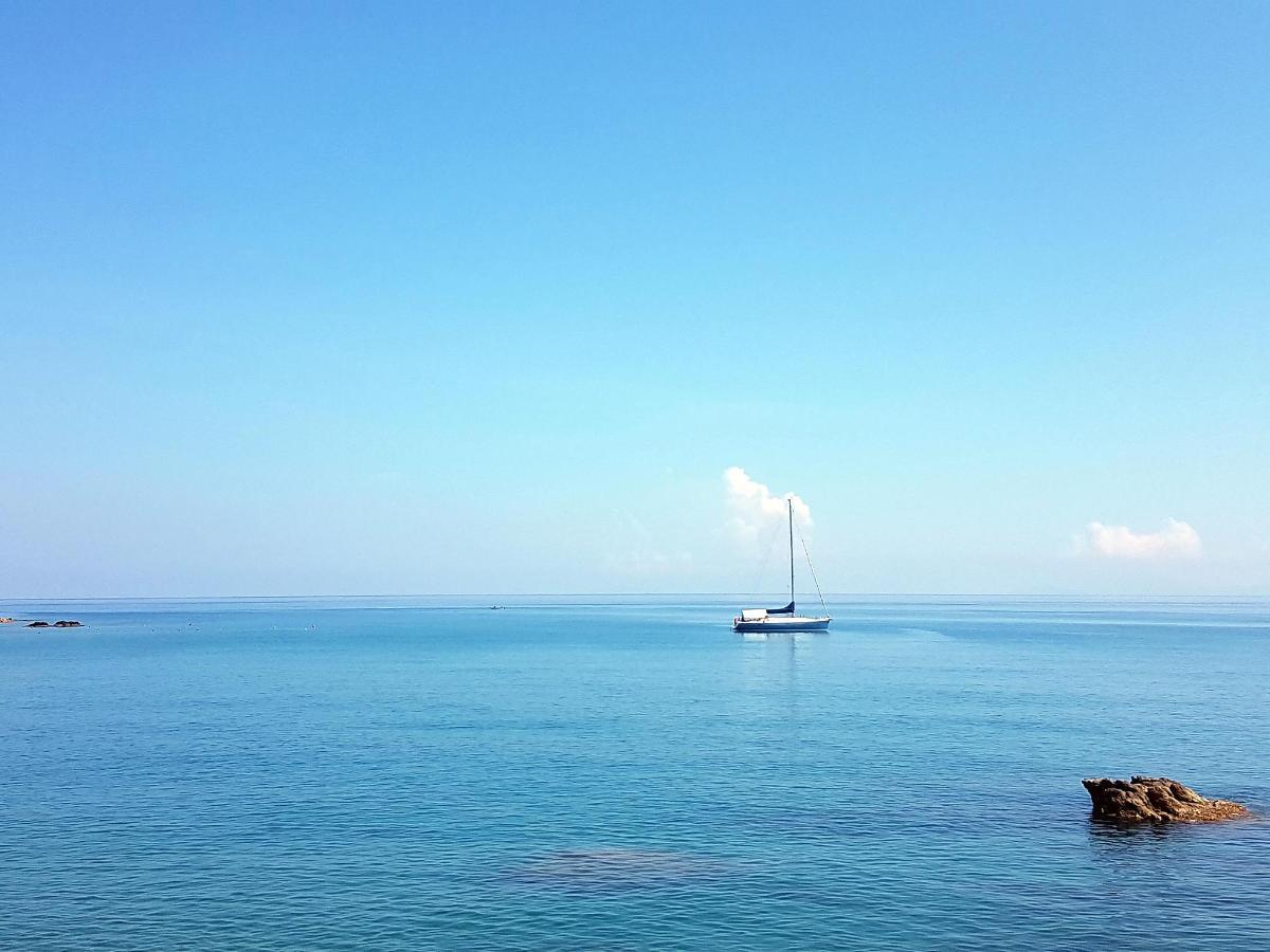 barca a vela - la casa di aurelio.jpg