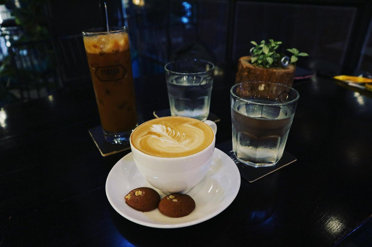 coffee-2940322_1920.jpg
