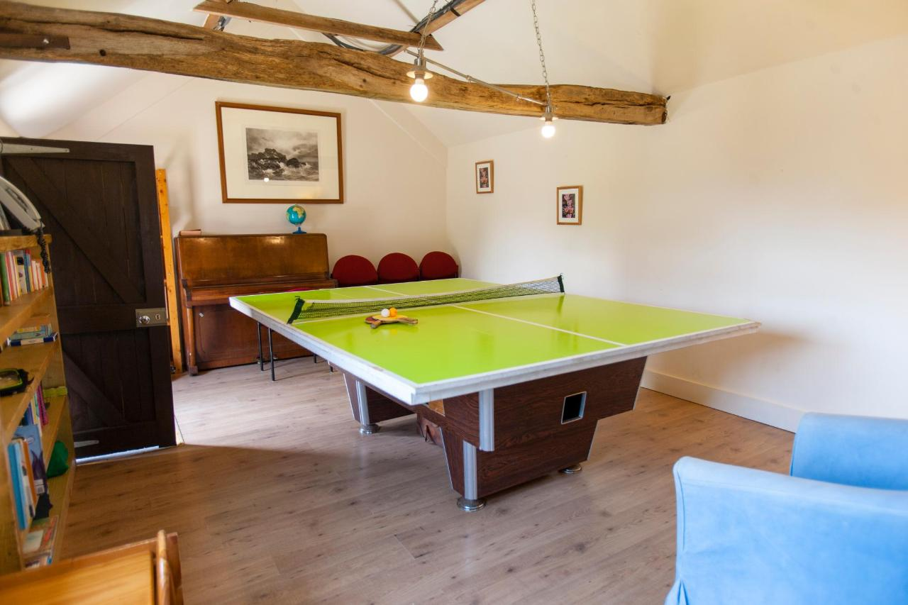 games room table tennis 2.jpg