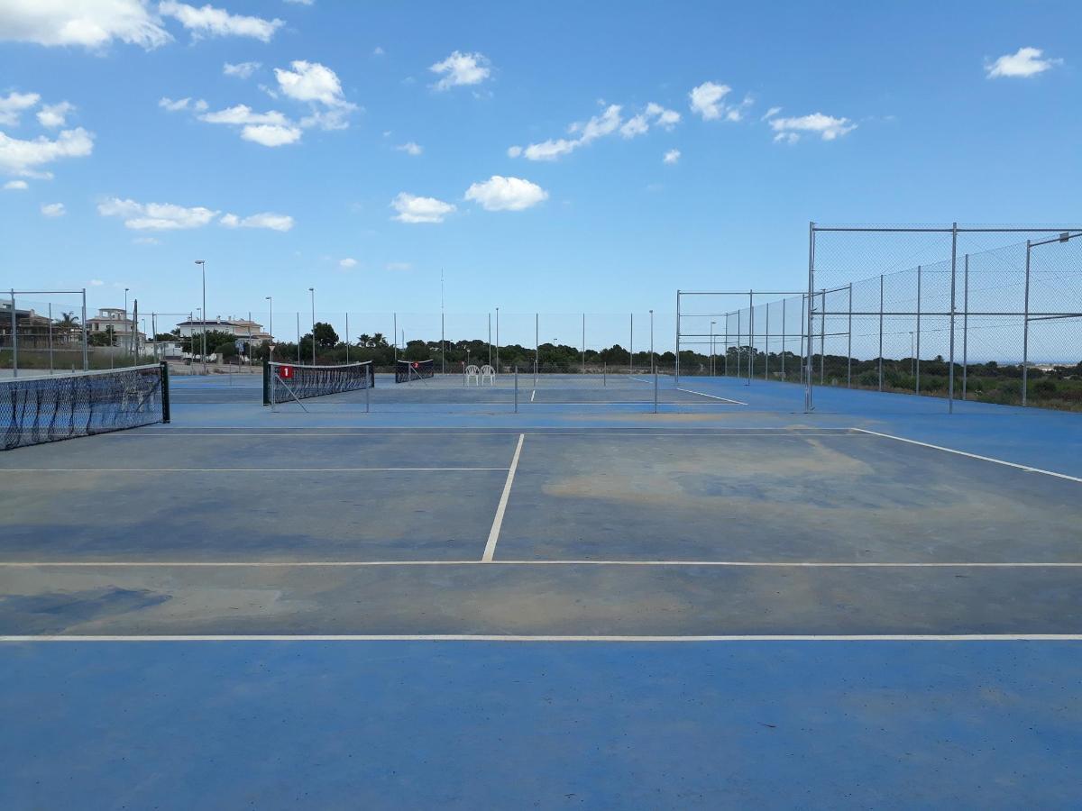 Tennis 2 BB.jpg