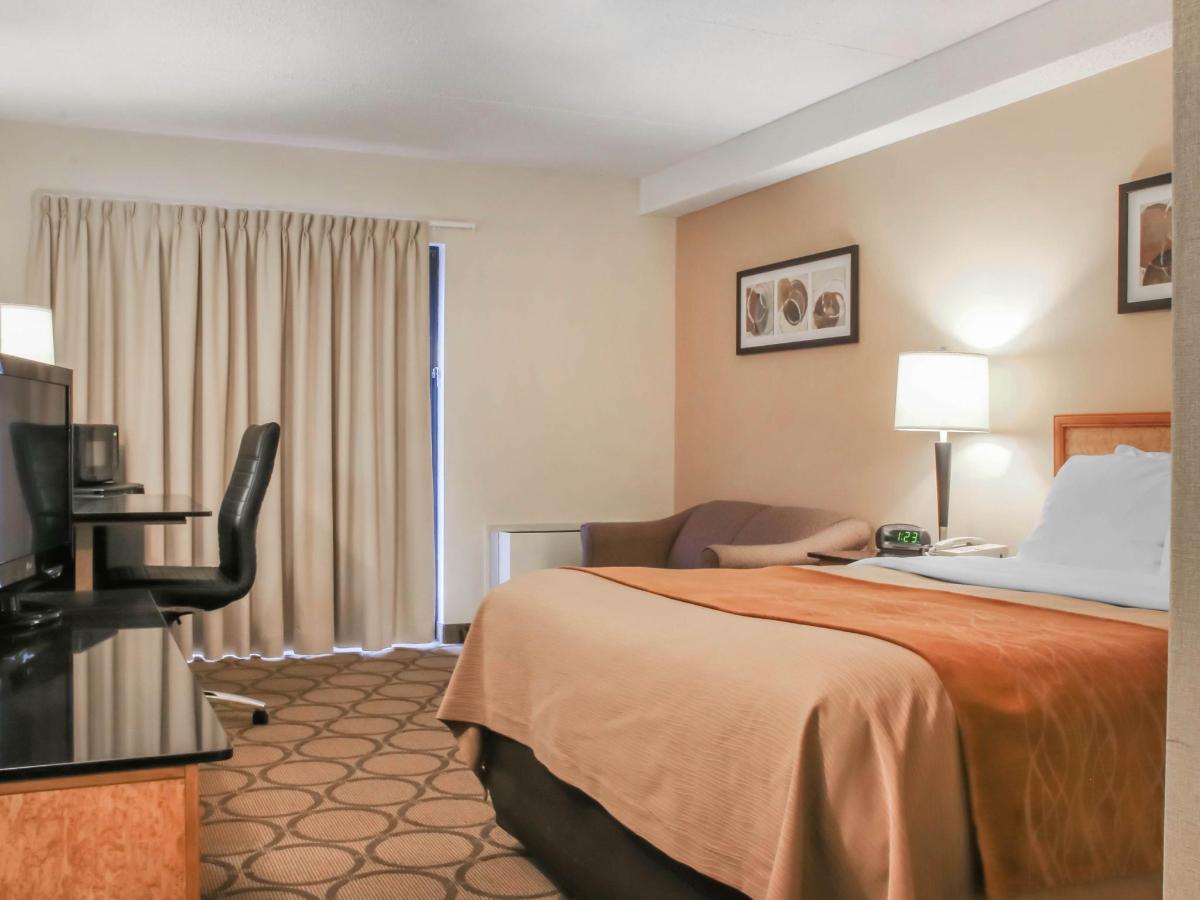 Spacious Queen Pillowtop Guestroom.jpg