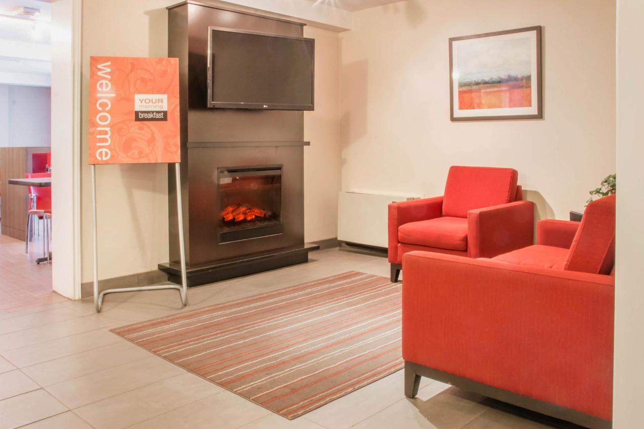 Fireplace Sitting Area.jpg