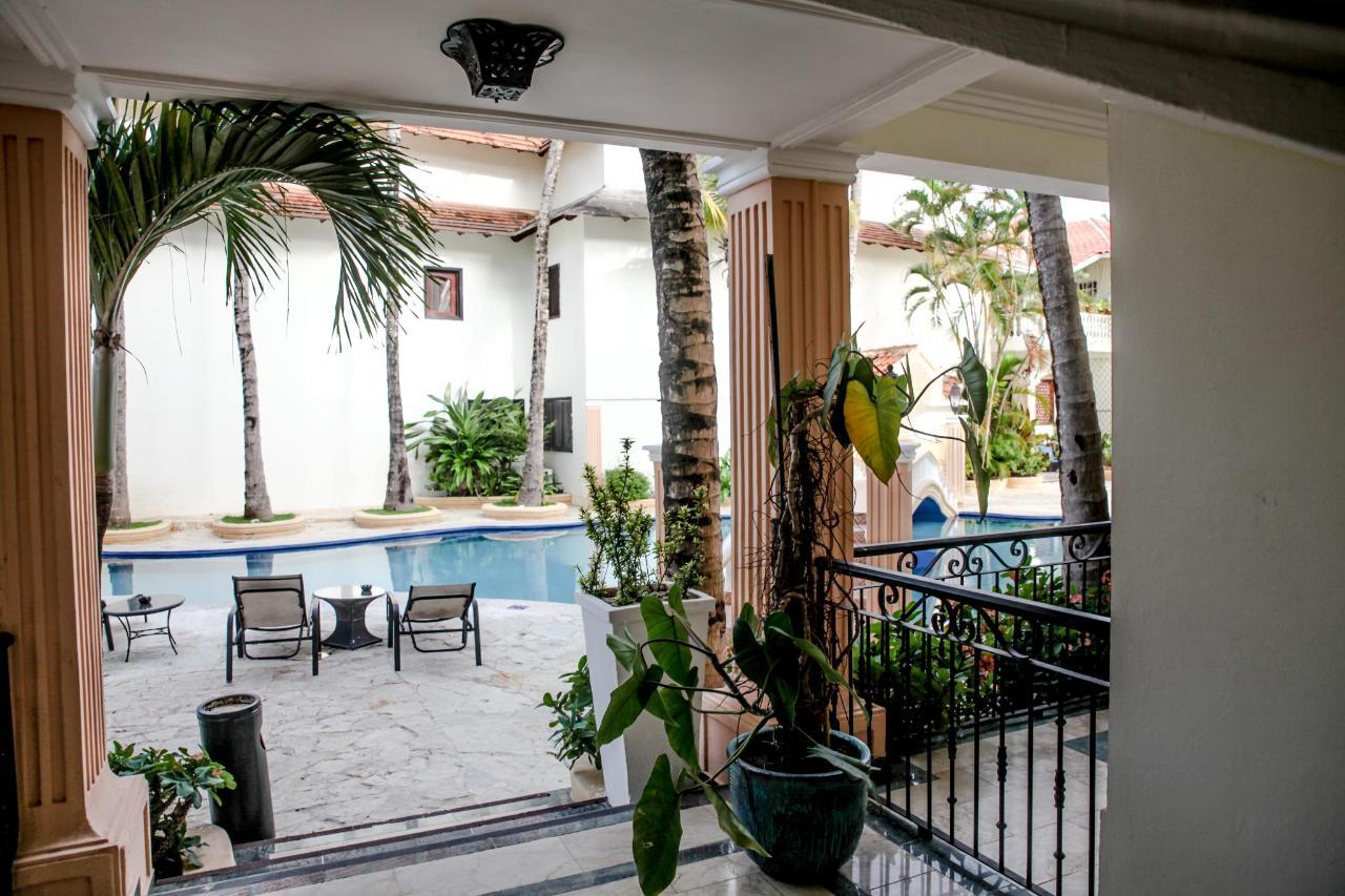 Poolside Balcony (2)-min.jpg
