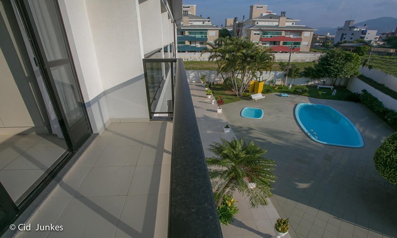 piscina de cima 1.jpg