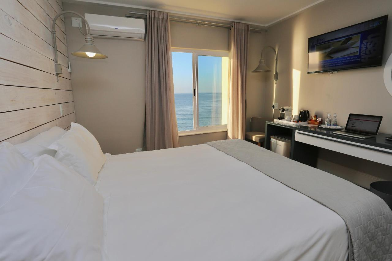 2018 LNH DELUXE DOUBLE ROOM.jpg